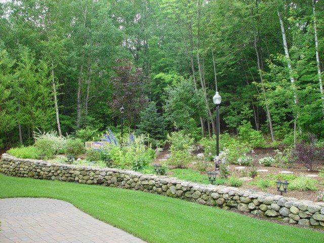 Belknap_County_landscaping_lawn_1_1-min
