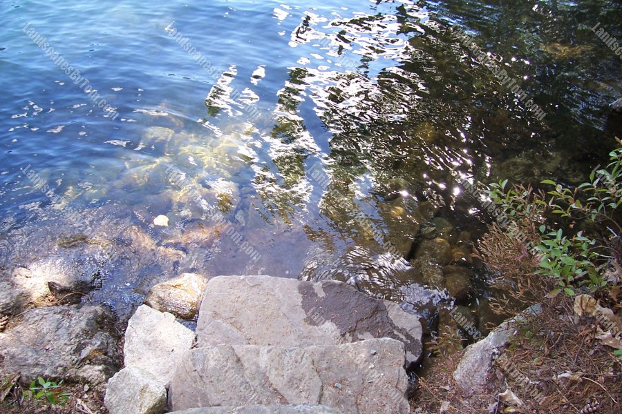 Lakeside_Steps_go_into_water_2-min