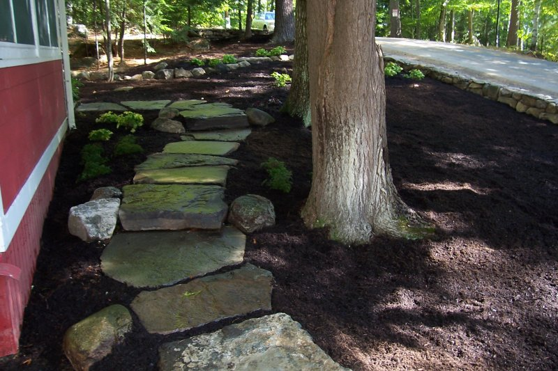 cottage_stone_walkway-min
