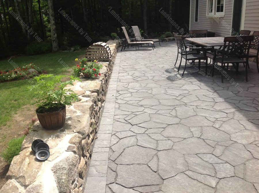 large_stone_patio_rock_wall_nh-min